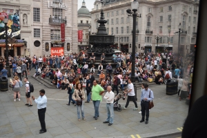 Piccadilly Circus crowds